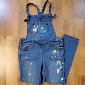 Girls paint overalls